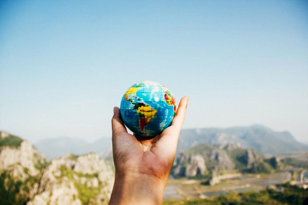 5 idées de cadeaux à faire à un voyageur